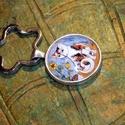kulcstartó üveglencsés, Ékszer, óra, Medál, Egy kis érdekes tény :) a macskákról:  Nem érzik az édes ízt.  Antikolt  ezüst, üveglencsés kulcstar..., Meska