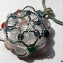 Hegyikristály-csakra ásvány medálos nyaklánc, A medált hegyikristály ásvány golyókból, csa...