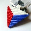 Piros-fehér-kék  háromszög medálos nyaklánc, Ékszer, Nyaklánc, A medál peyote technikával készült, piros, fehér és kék delica gyöngyöket használtam hozzá. A hároms..., Meska