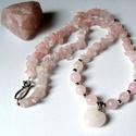 Rózsakvarc ásvány nyaklánc , Ékszer, Baba-mama-gyerek, Nyaklánc,  A nyakláncot rózsakvarc ásványból és 8mm-es rózsakvarc golyóból készítettem. Egy rózsakvarc szív me..., Meska