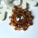 Swarovski medálos nyaklánc , Ékszer, Medál, Nyaklánc, Egy 14mm-es swarovski kristályt foglaltam be Japán gyöngyökkel és készítettem belőle medált. A medál..., Meska