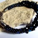Szívesen, kék-fekete alkalmi gyöngy karkötő , Ékszer, Karkötő, A karkötőt  kék és fekete színű Japán gyöngyből készítettem aprólékos munkával. A hossza 20cm+ lánch..., Meska