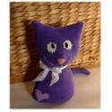 Lilu a macska, Játék, Baba-mama-gyerek, Játékfigura, Gyerekszoba, Egy már használaton kívüli pamut pulóverből készült ez a kedves cicus. Megihletett a lehetetlen lila..., Meska