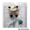 Bárányka könyvjelző, Naptár, képeslap, album, Könyvjelző, Gyapjúfilcből készítettem ezeket a kedves báránykákat aprólékos munkával majd tömőanyaggal béleltem...., Meska