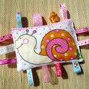 Csiga - szalagos rongyi/ párna baba játék, Játék, Baba játék, Pamut textil anyagból készült ez az édes babajáték, melyet szalagokkal és horgolással tettem színese..., Meska