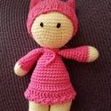 Dolly baba, Játék, Baba játék, Játékfigura, Horgolás, A termék gyermekbarát anyagokból készült, nem tartalmaz lenyelhető alkatrészeket. Hossza kb. 22 cm,..., Meska
