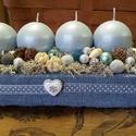 Farmerba burkolt karácsonyi kékség, Dekoráció, Dísz, Virágkötés, Egy faládikót farmer anyaggal beburkoltam, majd tűzőhabbal kibéleltem. Fagyos tűrkizkék-szürkébe ha..., Meska