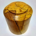 Esztergált fa dobozka - speciális, füllesztett bükk faanyagból, Otthon & lakás, Lakberendezés, Tárolóeszköz, Doboz, Famegmunkálás, Esztergált fa dobozka - speciális, füllesztett bükk faanyagból. A faanyag miatt teljesen egyedi dar..., Meska