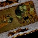 ZSuZSa díszkosár, Otthon, lakberendezés, Tárolóeszköz, Kosár, Papírművészet, Fonás (csuhé, gyékény, stb.), A képen látható papírkosár a ZSuZSa fantázianevet kapta.  A kosarat  Gustav Klimt híres Csók című f..., Meska