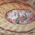 Virág díszkosár, Otthon, lakberendezés, Tárolóeszköz, Kosár, Papírművészet, Fonás (csuhé, gyékény, stb.), A képen egy papírból készült díszkosár látható.A kosár gyönyörű virágmintás szalvétával lett díszít..., Meska