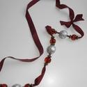Szalag-lánc, Ékszer, Nyaklánc,  Gyönyörű színű mély bordó szalagból készült fa és üveghatású szép gyöngyökkel. A f..., Meska