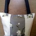 Trendi virágos táska, Ékszer, óra, Baba-mama-gyerek, Táska, Válltáska, oldaltáska, Varrás, Erős vászon anyagból készítettem ezt a táskát mely nemcsak tartós,de mutatós is. Nagyon szép virágo..., Meska