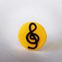 Sárga violinkulcsos gyűrű, Mindenmás, Ékszer, óra, Hangszer, zene, Gyűrű, Gyurma, Kb. 2 cm átmérőjű gyűrű. Sárga alapon fekete violinkulcs. A mintát süthetőgyurmából készítettem el,..., Meska