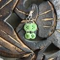 zöld gomb fülbevaló, Ékszer, óra, Fülbevaló, Zöld újrafelhasznált gombokból készült fülbevaló. Hossza kb. 4,5cm., Meska