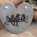 """Beton szív kép """"LOVE"""" madárkákkal, Dekoráció, Otthon, lakberendezés, Kép, Falikép, Mindenmás, Decoupage, transzfer és szalvétatechnika, A kép betonból készült, """"LOVE"""" felirattal, madárkákkal, transzferálással. Fehér, erős madzaggal aka..., Meska"""