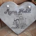 """Beton szív kép """" Mama hotel"""" felirattal, Dekoráció, Otthon, lakberendezés, Kép, Falikép, A kép betonból készült, """"Mama hotel"""" felirattal, transzferálással. Fehér, erős madzaggal akasztható ..., Meska"""