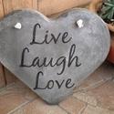 """Beton szív kép """"Live, laugh, love"""" felirattal, A kép betonból készült, """"Live, laugh, love"""" fe..."""