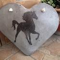 """Beton szív kép """"Ló"""", A lovat ábrázoló kép betonból készült, tran..."""