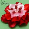 Bordó-piros virág hajdísz, Ruha, divat, cipő, Ékszer, Hajbavaló, Bross, kitűző, Vidám bordó-piros virág szatén szalagból, saját készítésű csillogó bibékkel. A virág á..., Meska