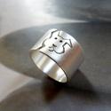Kutya ezüst gyűrű (széles, szatén), Egyedi tervezésű gyűrű kutya mintával, Sterli...