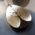 Fás ezüst nyaklánc fa alapon, Ékszer, óra, Medál, Nyaklánc, Ezüst és fa medál fűrészelt fa mintával Sterling ezüst lapból, melyet egy szép csíkos, csepp alakú p..., Meska