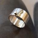 Hangjegy ezüst gyűrű, Ékszer, Gyűrű, Egyedi tervezésű gyűrű hangjegy mintával, Sterling ezüstből. Fűrészelt, hajlított, forrasztott, szat..., Meska