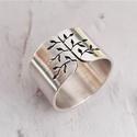 Tavaszi fa ezüst gyűrű (széles, szatén), Gyűrű leveles fa mintával, Sterling ezüstből....