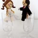 Menyasszony -Vőlegény csipesz , Esküvő, Dekoráció, Meghívó, ültetőkártya, köszönőajándék, Esküvői dekoráció, Mindenmás, Ültetőkártya-tartó csipesz, mely köszönőajándék egyben!  Hungarocell golyóból és dekorgumiból készü..., Meska