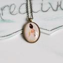 Balerinás üveglencsés nyaklánc, Ékszer, Nyaklánc, Antik bronz színű medálalapba helyeztem ezt a bájos balerinás képet.  Az üveglencse mérete 2..., Meska