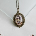 Gorjuss kislányos üveglencsés nyaklánc- rókás/írnok, Ékszer, Nyaklánc, Antik bronz színű medálalapba helyeztem a Gorjussos képet.   A kép és a medálalap belső mér..., Meska