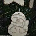 karácsonyfadísz044, Dekoráció, Ünnepi dekoráció, Karácsonyi, adventi apróságok, Karácsonyfadísz, Famegmunkálás, 3 mm vastag rétegelt fából készült függeszthető, igény szerint színre festhető vagy fújható, 6,5*5 ..., Meska