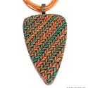 """Terrakotta-smaragd, kötött mintás ékszergyurma nyaklánc , Ékszer, Ékszerszett, Nyaklánc, Ékszerkészítés, Gyurma, Ékszergyurmából készítettem ezt a különleges formájú, """"kötött"""" mintájú medált. Hossza 6,5 cm (akasz..., Meska"""