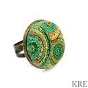 Smaragd tekercsek, ékszergyurma gyűrű, Ékszer, Gyűrű, Ékszerszett, Süthető gyurmából készítettem ezt az igazán egyedi gyűrűt. A gyűrű tányérja 2,5 cm, antik bronz szín..., Meska