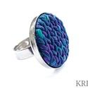"""Lila, kötött mintás ékszergyurma gyűrű, Ékszer, Gyűrű, Ékszerszett, Süthető gyurmából készítettem ezt az egyedi, """"kötött"""" mintás gyűrűt. A gyűrű tányérja 2,7 cm, alapja..., Meska"""