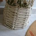 Fonott kosár , Otthon, lakberendezés, Tárolóeszköz, Kosár, Fonás (csuhé, gyékény, stb.), Varrás, Újságpapírból készítettem a kosarat és bambusz mintás huzatot varrtam bele. Bármit lehet benne táro..., Meska