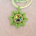 Sister Stars - Nővér csillagok gyöngyfűzött nyaklánc swarovskival (Zöld-Arany), Ékszer, Medál, Nyaklánc, Egy tiszta éjszakán, ha felnézel az égre, számtalan csillagot láthatsz ragyogni a fejed felett. Egy ..., Meska