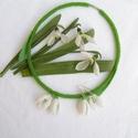 Ébredés - Hóvirágok tánca gyöngyfűzött nyaklánc és fülbevaló, Ékszer, Nyaklánc, Ékszerszett, Imádom a tavaszt ezért ezt szerettem volna valamilyen módon ékszerben is visszaadni. Végül némi gond..., Meska