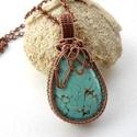 Türkenit - réz nyaklánc, Ékszer, Medál, Nyaklánc, Vörösréz drótból és türkenit ásványból készült medál és lánc. A medál magassága akasztóval együtt 5,..., Meska