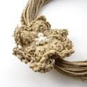Spárgarózsa - nyaklánc , Ékszer, óra, Nyaklánc, Vörösréz drótból, teklagyöngyből és spárgából készült nyaklánc.  Hossza 58,5 cm. A láncvégeket, kapc..., Meska