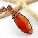 Karneol - réz nyaklánc, Ékszer, óra, Medál, Nyaklánc, Vörösréz drótból és szép mintájú karneol szilvamag kabosonból készült medál és lánc. A medál magassá..., Meska