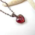 Szív - réz nyaklánc, Ékszer, óra, Nyaklánc, Medál, Ékszerszett, Vörösréz drótból és üvegszívből készült medál és lánc.  A medál hossza akasztóval együtt 2,9 cm. A l..., Meska