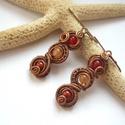 Piros-narancs kagylók - vörösréz fülbevaló, Ékszer, Ékszerszett, Fülbevaló, Vörösréz drótból és 4 mm-es ásványgyöngyökből készült fülbevaló.  Felhasznált ásványok: festett jáde..., Meska