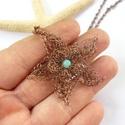 Csillagvirág II. - horgolt réz nyaklánc, Ékszer, Medál, Nyaklánc, Vörösréz drótból és színezett jáde gyöngyből készült medál és lánc. A medál magassága akasztóval egy..., Meska