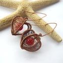 Lampionvirág - réz fülbevaló, Ékszer, Szerelmeseknek, Fülbevaló, Vörösréz drótból és színezett jádéból készült fülbevaló.  Hossza akasztóval együtt 5,3 cm.  A kész f..., Meska