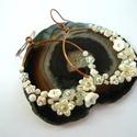 Fehér virágkarika - réz fülbevaló, Vörösréz drótból, kása- és üveggyöngyökb...