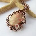 Indák, virágok - réz nyaklánc, Vörösréz drótból, színezett korall fosszíli...