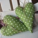 Vidéki romantika szív - Polka dots (zöld), Vidám és nagyon kedves dísze lehet a lakásnak,...