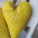 Vidéki romantika szív - Polka dots (sárga), Otthon, lakberendezés, Dekoráció, Baba-mama-gyerek, Lakástextil, Sárga pöttyös, vidám szívecske. A szív kiváló minőségű anyagból készült.  Magasság: 17 cm...., Meska