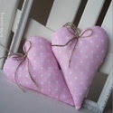 Vidéki romantika szívek - Polka dots (rózsaszín), Otthon, lakberendezés, Dekoráció, Baba-mama-gyerek, Lakástextil, Pöttyös rózsaszín szívek, rózsaszín imádóknak és kislányoknak.  Magasság: 17 cm., Meska
