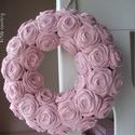 """Rózsakoszorú - """"Babarózsa"""", 20 cm-es alapra készült ez a rózsakoszorú. Kos..."""